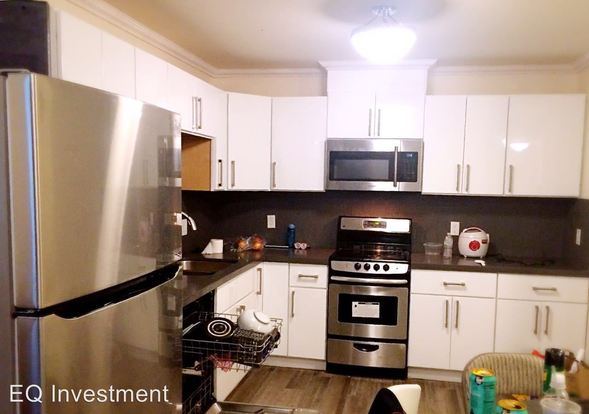 Studio 1 Bathroom House for rent at 5900 Shattuck Ave in Oakland, CA