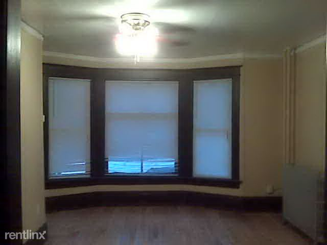 2 Bedrooms 1 Bathroom Apartment for rent at 1659 N Arlington Pl in Milwaukee, WI