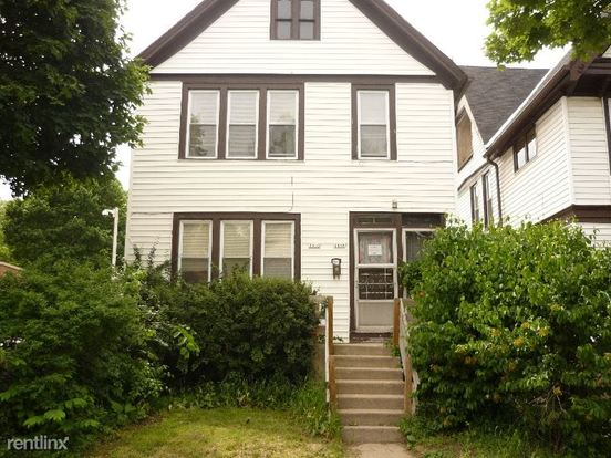 2 Bedrooms 1 Bathroom House for rent at 1653-1655 N Arlington Pl in Milwaukee, WI