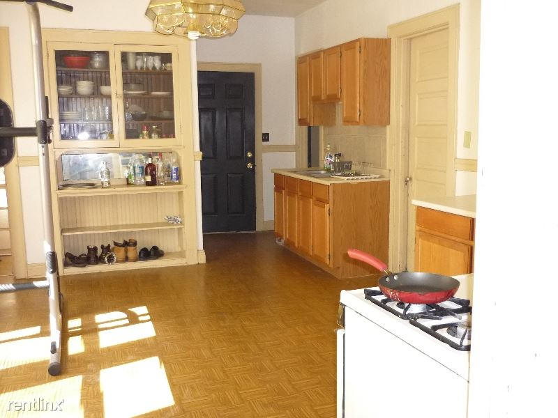 2 Bedrooms 1 Bathroom House for rent at 1819 N Pulaski St in Milwaukee, WI