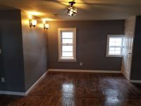 3 Bedrooms 2 Bathrooms Apartment for rent at 1006 E Land Pl in Milwaukee, WI