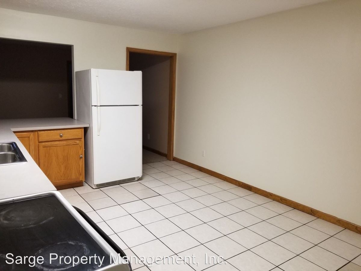 3 Bedrooms 1 Bathroom Apartment for rent at 627 N Morton St in Bloomington, IN