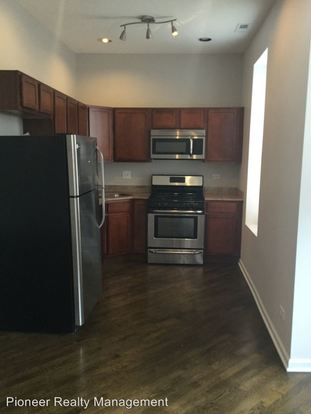 2 Bedrooms 2 Bathrooms Apartment for rent at 1501 3 N California/2746 52 W Le Moyne in Chicago, IL