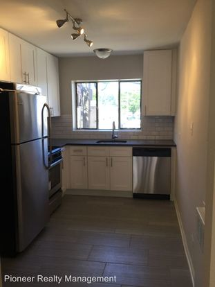 3 Bedrooms 1 Bathroom Apartment for rent at 7539 53 N. Bell Ave. in Chicago, IL