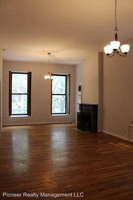 2 Bedrooms 1 Bathroom Apartment for rent at 2106 N Bissell St in Chicago, IL