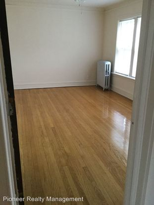 2 Bedrooms 1 Bathroom Apartment for rent at 4915 N. Damen Ave in Chicago, IL