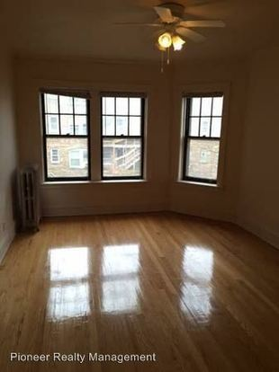 3 Bedrooms 1 Bathroom Apartment for rent at 4915 N. Damen Ave in Chicago, IL