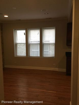 2 Bedrooms 1 Bathroom Apartment for rent at 6500 08 N Claremont Ave. in Chicago, IL