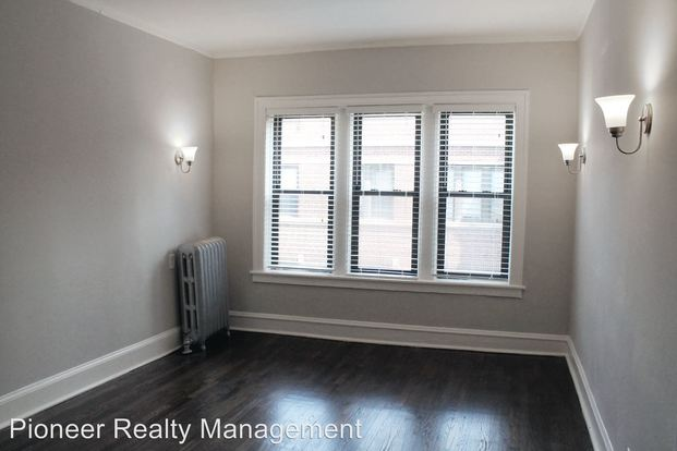 3 Bedrooms 1 Bathroom Apartment for rent at 1351 1359 W Touhy Ave in Chicago, IL