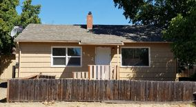 442 H St. Apartment for rent in Grants Pass, OR