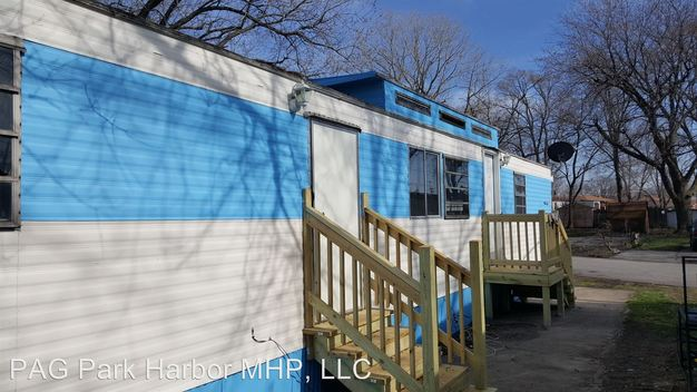 1 Bedroom 1 Bathroom Apartment for rent at 4 Oak Court in Calumet City, IL
