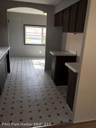 2 Bedrooms 1 Bathroom Apartment for rent at 4 Oak Court in Calumet City, IL