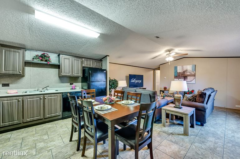 3 Bedrooms 2 Bathrooms Apartment for rent at Liberty Expwy in Albany, GA