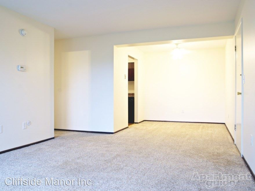 1 Bedroom 1 Bathroom Apartment for rent at 100 Cliffside Drive in Pittsburgh, PA