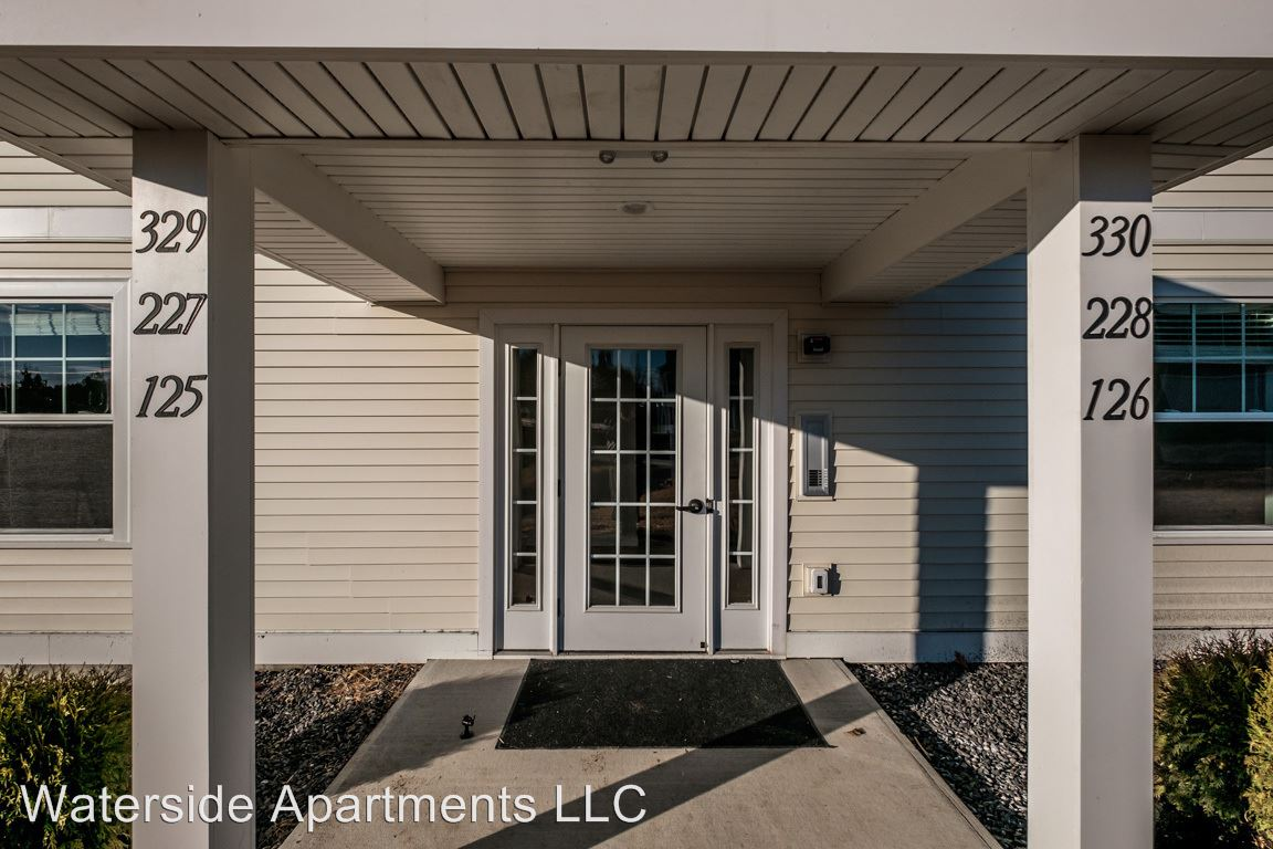 2 Bedrooms 1 Bathroom Apartment for rent at Jacqueline Way in Westbrook, ME