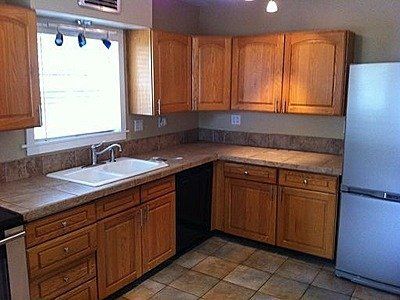 3 Bedrooms 1 Bathroom Apartment for rent at 7014 N Greeley Ave in Portland, OR