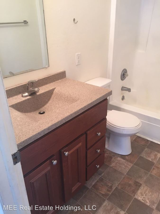 2 Bedrooms 1 Bathroom Apartment for rent at 1976 Church Street 2867 Edwards Street in East Troy, WI