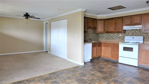 1 Bedroom 1 Bathroom Apartment for rent at 243 Moon Clinton Rd in Moon Township, PA