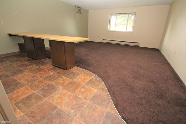 1 Bedroom 1 Bathroom Apartment for rent at Foxwood Apartments in Moon Township, PA