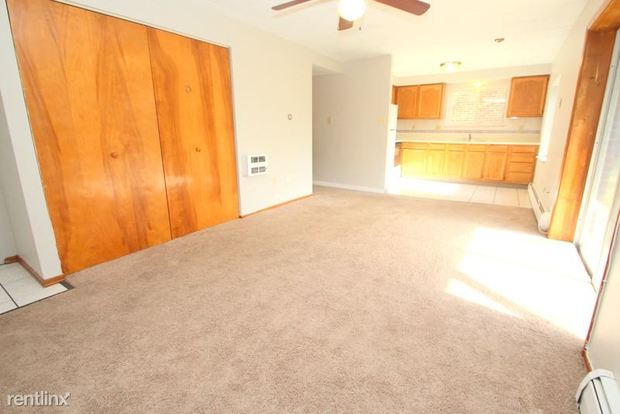 1 Bedroom 1 Bathroom Apartment for rent at Oxford Apartments in Moon Township, PA