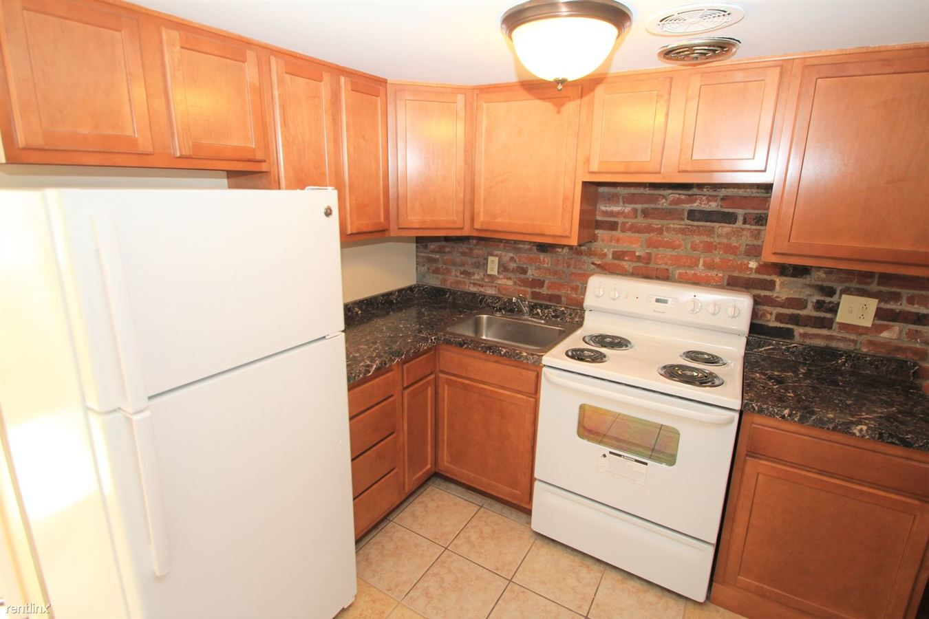 2 Bedrooms 1 Bathroom Apartment for rent at 285 Moon Clinton Rd in Moon Township, PA