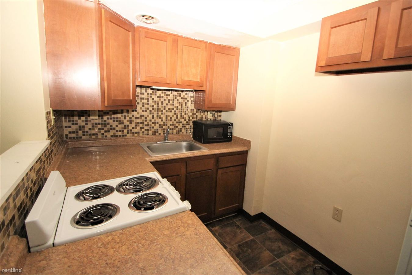 1 Bedroom 1 Bathroom Apartment for rent at 199 Rosemont Dr in Moon Township, PA