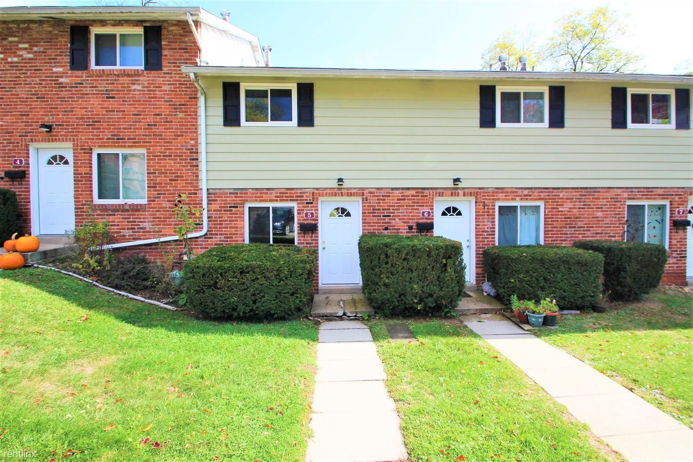 2 Bedrooms 1 Bathroom House for rent at Oxford Townhouse in Moon Township, PA