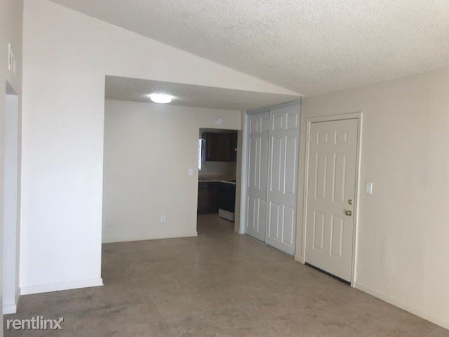 2 Bedrooms 1 Bathroom Apartment for rent at Phoenician Palms in Phoenix, AZ