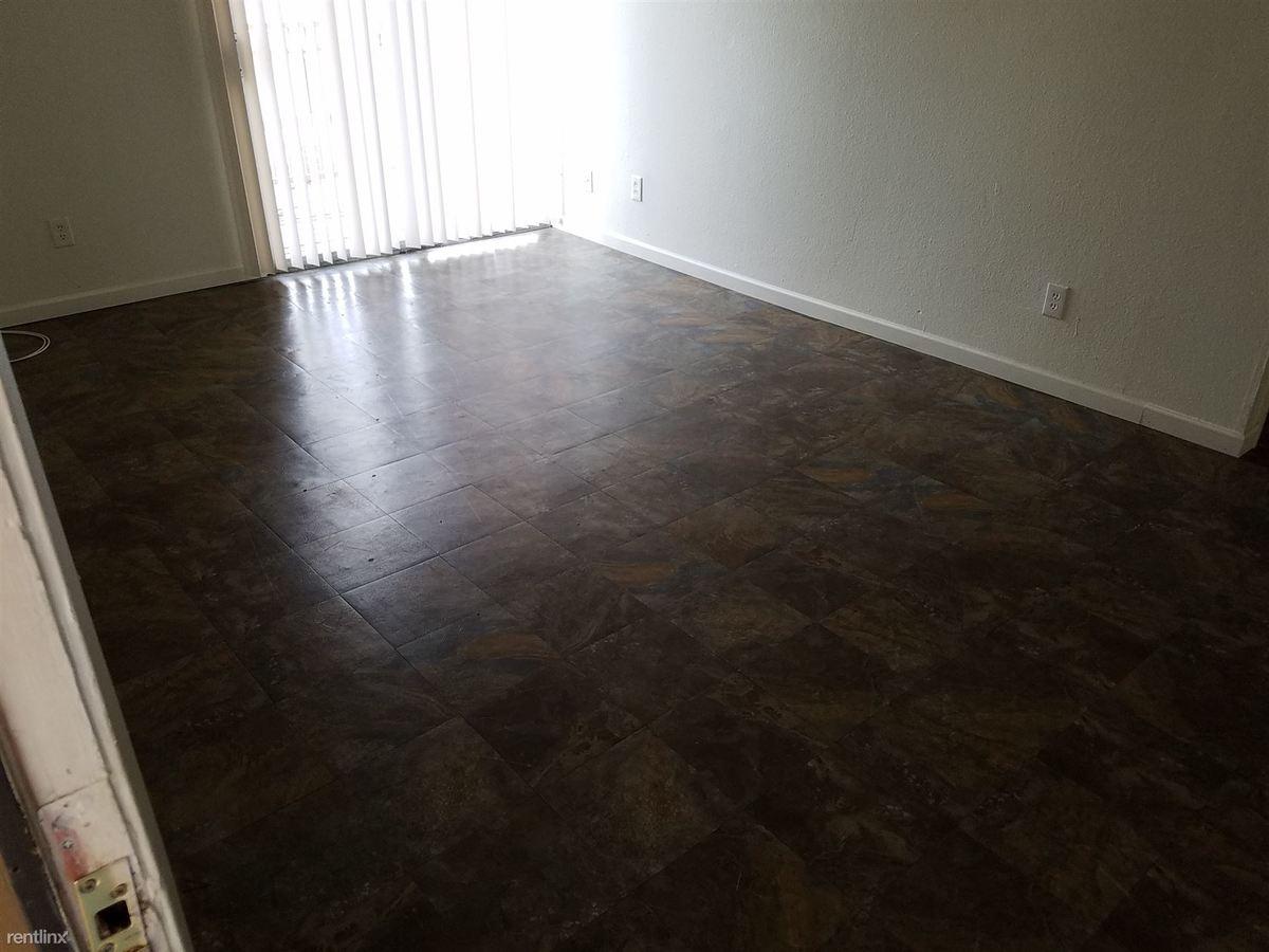 2 Bedrooms 1 Bathroom Apartment for rent at Phoenician Palms in Phoenix, AZ