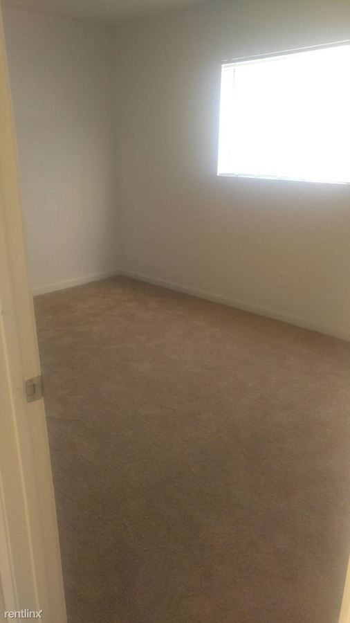 4 Bedrooms 2 Bathrooms Apartment for rent at Phoenician Palms in Phoenix, AZ