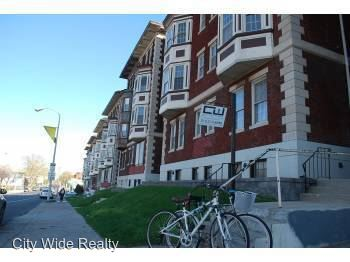 3 Bedrooms 1 Bathroom Apartment for rent at 4702 Chestnut in Philadelphia, PA