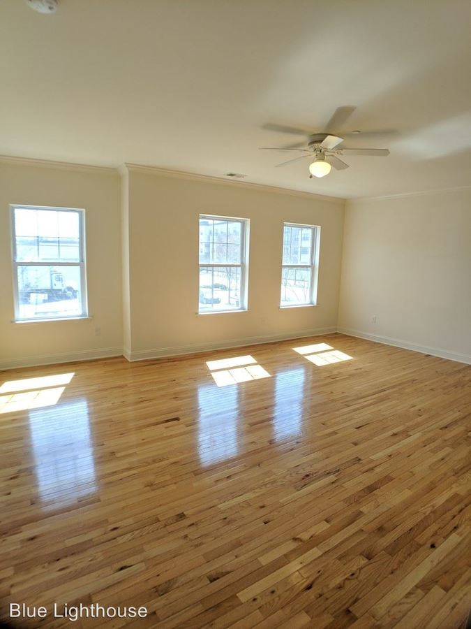 1 Bedroom 1 Bathroom Apartment for rent at 95 Central Avenue in Metuchen, NJ