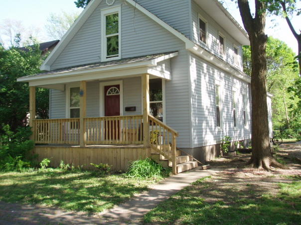 505 E Green St - This is a Champaign House located at 505 E Green St