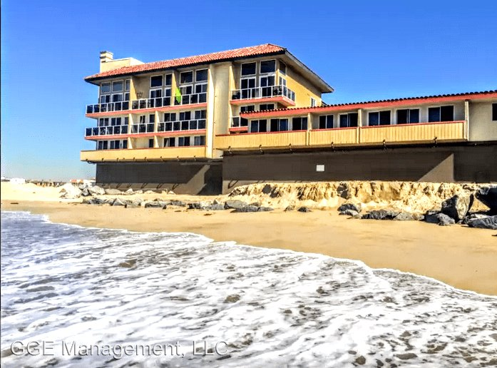 1 Bedroom 1 Bathroom Apartment for rent at 211 Yacht Club Way in Redondo Beach, CA