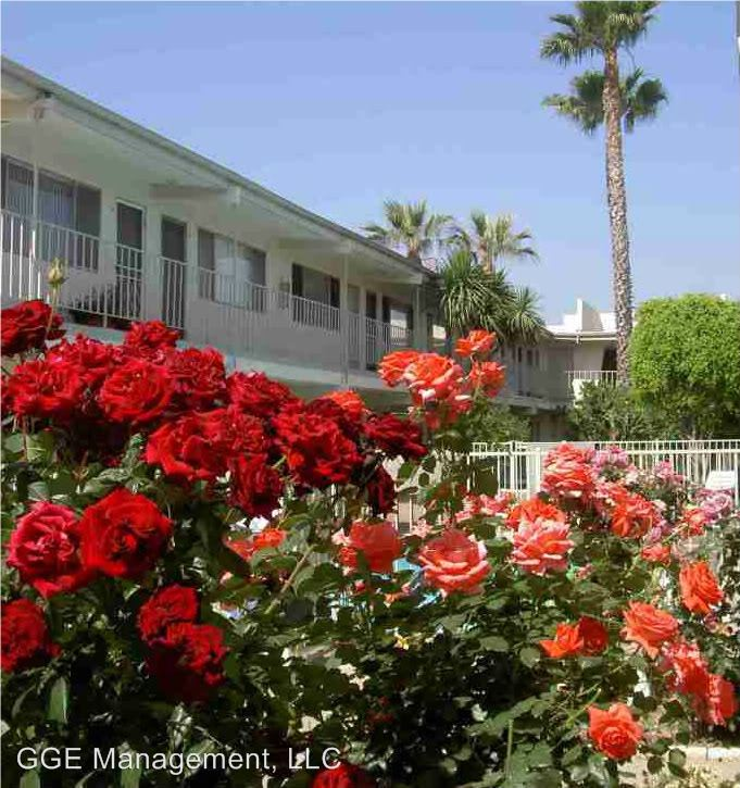2 Bedrooms 1 Bathroom Apartment for rent at 26100 Narbonne Avenue in Lomita, CA