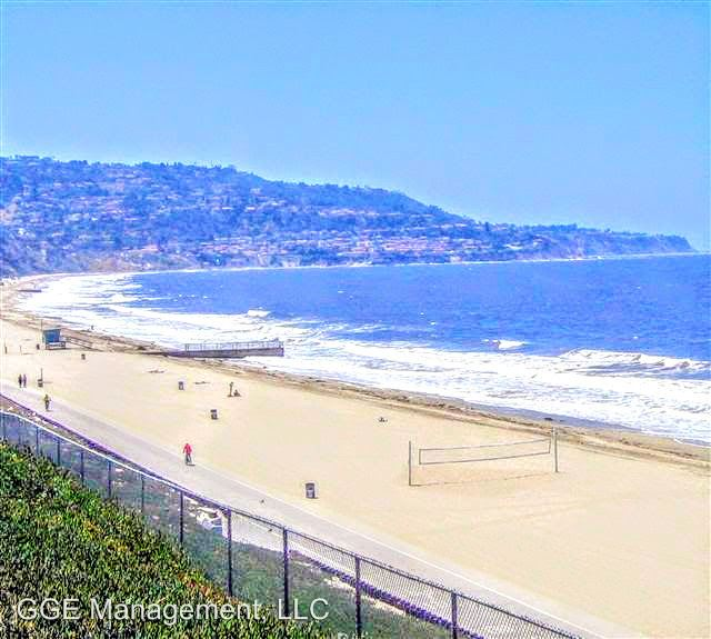 1 Bedroom 1 Bathroom Apartment for rent at 401 & 407 Avenue G in Redondo Beach, CA