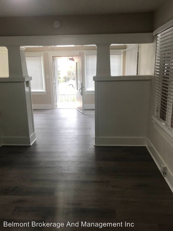 Studio 1 Bathroom Apartment for rent at 427-437 Chestnut Ave. in Long Beach, CA