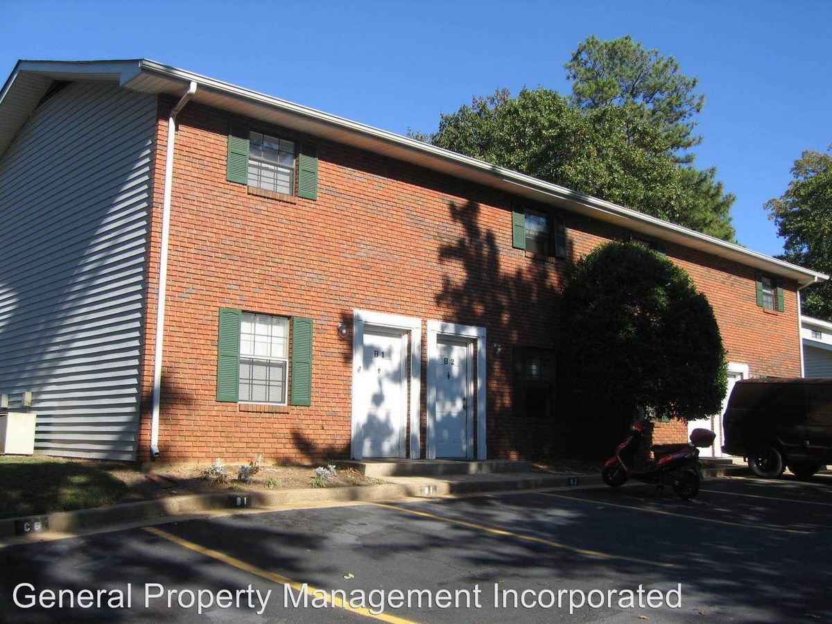 2 Bedrooms 1 Bathroom Apartment for rent at Cedar Way Drive & Spring Lane in Gainesville, GA