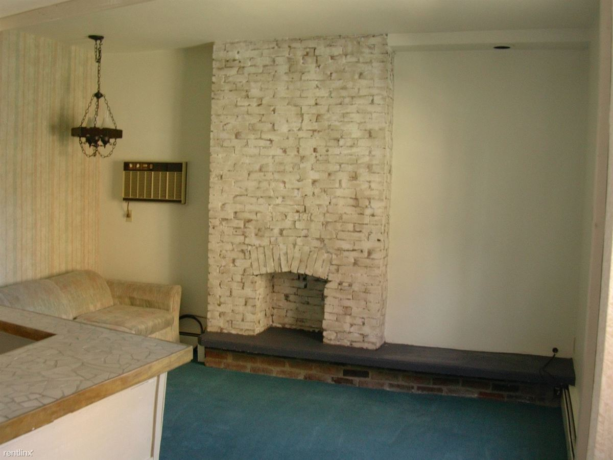 2 Bedrooms 1 Bathroom Apartment for rent at 749 S Millvale Ave in Pittsburgh, PA