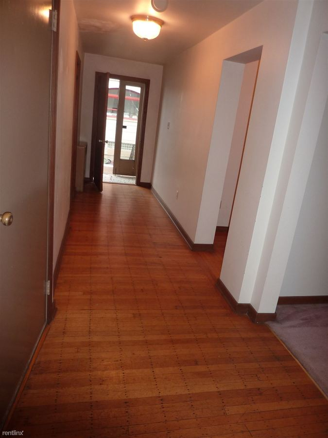 3 Bedrooms 1 Bathroom Apartment for rent at 745 S Millvale Ave in Pittsburgh, PA