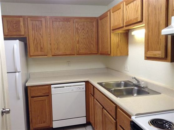 2 Bedrooms 1 Bathroom Apartment for rent at 2302 East Ft Lowell Road in Tucson, AZ