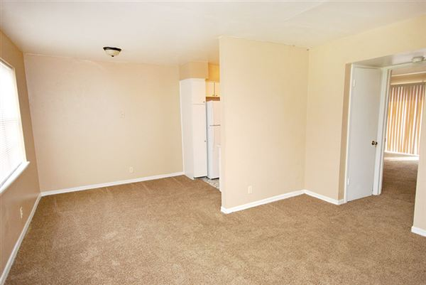 1 Bedroom 1 Bathroom Apartment for rent at Colonial Elm Apartments in Tulsa, OK