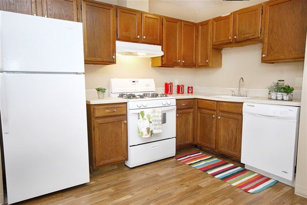 2 Bedrooms 1 Bathroom Apartment for rent at Charl Ann Apartments in Tulsa, OK