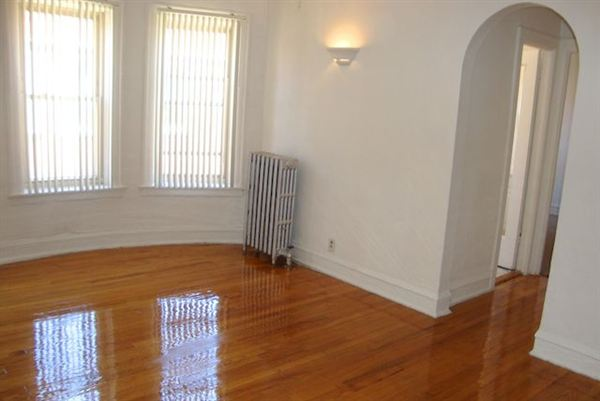 1 Bedroom 2 Bathrooms Apartment for rent at 4338 S Drexel Blvd in Chicago, IL