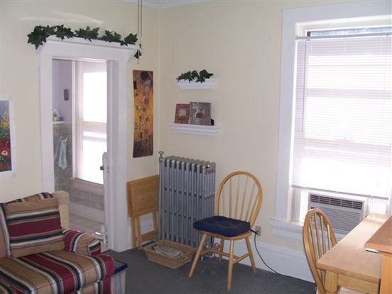 1 Bedroom 1 Bathroom Apartment for rent at 918 E Knapp St in Milwaukee, WI