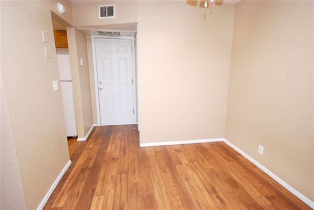 2 Bedrooms 1 Bathroom Apartment for rent at Evergreen Apartments in Tulsa, OK
