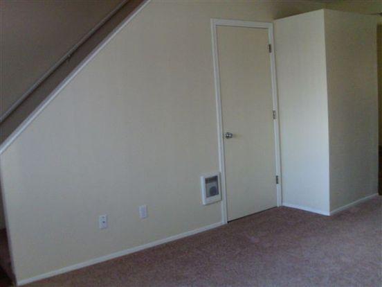 2 Bedrooms 1 Bathroom House for rent at Burnside Gardens in Portland, OR