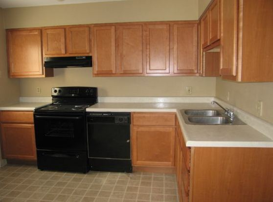 3 Bedrooms 1 Bathroom Apartment for rent at Emerald Crossing Apartments in St Louis, MO