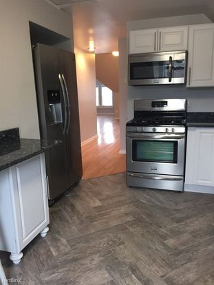 1 Bedroom 1 Bathroom Apartment for rent at 5800 Walnut St in Pittsburgh, PA