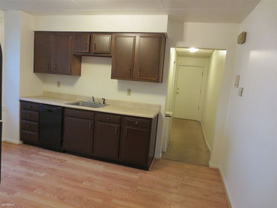 2 Bedrooms 1 Bathroom Apartment for rent at 2421 Beechwood Blvd in Pittsburgh, PA